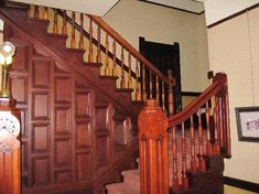 Hinds Victorian Guest House: beautiful staircase