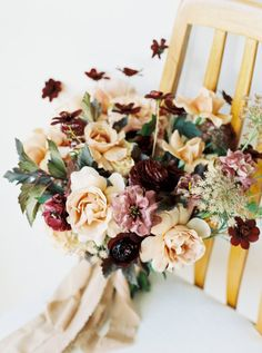 This mixture of colors in this wedding bouquet is modern and marvelous!