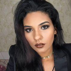 Quem ainda não viu esse tutorial, não sabe o quê está perdendo😱 Me superei e fiz um vídeo bem curtinho, mas com bastante conteúdo e ainda com 4 opções de batons pra vocês arrasarem na noite de Natal. É só entrar no Blog e se inscrever no canal, pra não ficar de fora de nenhum vídeo. www.isabelapierre.com.br 😘 . . . #maquiagem #make #makeup #makeupartist #makeuptutorial #makeupph #makeupori #makeupaddiction #maquiagembrasil #maquiagembrasill #universodamaquiagem…