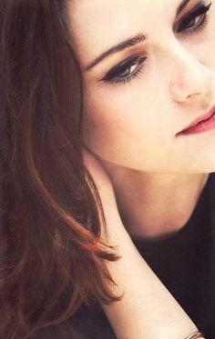 Kristen Stewart I think she is really really pretty. John Stewart, Kirsten Stewart, Celebrity Look, Celebrity Crush, Kristen Stewart Twilight, Sils Maria, Bella Swan, Robert Pattinson, Beautiful Celebrities