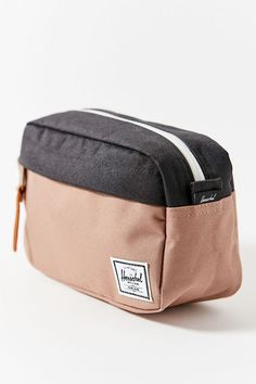 Herschel Supply Co. Chapter Carry-On Travel Kit Cute Pencil Pouches, Cute Pencil Case, Pencil Bags, Herschel Supply Co, Freetime Activities, Mochila Herschel, School Suplies, Urban Outfitters, School Accessories