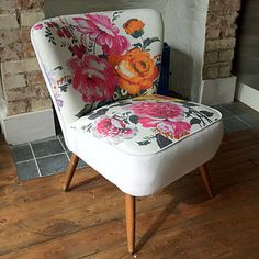 Restored Cocktail Chair - I love the vintage/retro/antique feel to this restored floral chair Chaise Floral, Floral Chair, Floral Fabric, Chaise Vintage, Vintage Chairs, Chair Upholstery, Upholstered Furniture, Retro Furniture, Painted Furniture