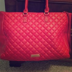 ❤️ Quilted Red Steve Madden ❤️ This bag is almost new! It has one tiny flaw as shown in the picture.. It's a large bag and I paid a lot for it but I just don't wear it.. Steve Madden Bags