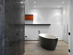 Aquatica Sensuality Black-Wht Freestanding Solid Stone Surface Bathtub – Gorgeous Tub
