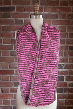 Brioche - alternating colors on the tuck sides.