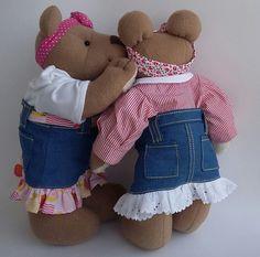 Ursinhas para decoração de quarto infantil. Medidas: Altura: 39 cm - Largura: 43 cm