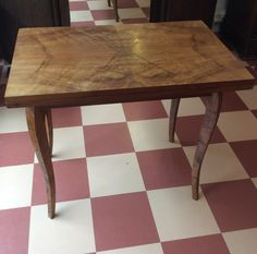 kaunis puupöytä 50-luvulta, voidaan avata kaksinkertaiseksi . beautiful wooden table from '50s,  can be open as double,  korkeus high 76-78, leveys wide 90, syvyys deep 58/116 cm