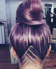 This is basically the exact color I've been wanting, and I've been considering doing a small triangle undercut and I like this simple design .