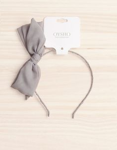 Cute bow headband - I like the color, it'd go with so many things!
