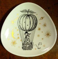 Valentine's Day Vintage Rosenthal Raymond Peynet 'Lovers' pair of porcelain dishes http://www.etsy.com/listing/90177643/valentines-day-vintage-rosenthal-raymond