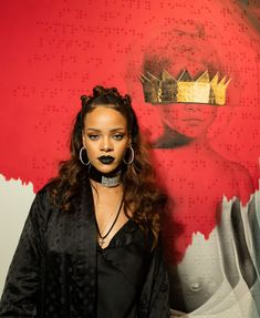 Rihanna Half Up Half Down - Rihanna looked funky with her knotty half-up 'do during her 8th album artwork reveal.