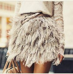 Look Of The day #amazingdetail #inspiration #lookoftheday #style #love #streetstyle #feathers #elegant #musthave #girly #tbt #instamoda #fashion