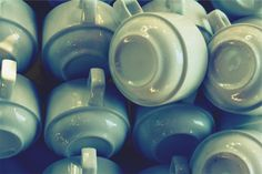 cups -  cups free stock photo Dimensions:2509 x 1673 Size:1.11 MB  - http://www.welovesolo.com/cups/