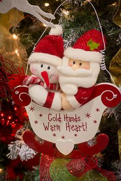 cold hands, warm heart | Flickr - Photo Sharing! Christmas Baubles, Christmas And New Year, Christmas Humor, All Things Christmas, Christmas Time, Christmas Holidays, Christmas Crafts, Santa Decorations, Winter Wonderland Christmas