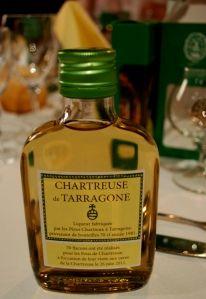 """La flasque de Tarragone Jaune offerte aux """"Fous de Chartreuse"""""""