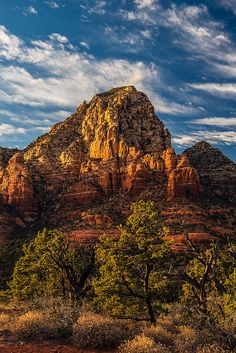 Thunder Mountain (Capitol Butte), Sedona, Arizona; photo by .Guy Schmickle