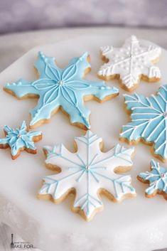 Halloween Cookies Decorated, Halloween Sugar Cookies, Christmas Sugar Cookies, Christmas Sweets, Holiday Cookies, Christmas Baking, Gingerbread Cookies, Christmas Crafts, Christmas Tree