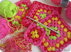 I can't read German but I love the colors! Crochet / Granny Squares
