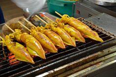 Barbecue Squid, Thai Food Thai Street Food, Thai Recipes, Barbecue, Thailand, Fish, Marketing, Vegetables, Photos, Beautiful