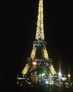 Instagram의 가장 나다운 삶님: 에펠탑야경보며 한국음악에 맥주한캔 . . . #유럽 #유럽여행 #프랑스 #프랑스여행 #파리 #파리여행 #france #paris #에펠탑 #에펠탑야경 #에펠탑야경동
