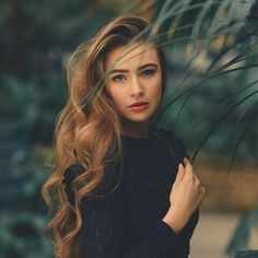 I announced the winner of my giveaway in my story. Go & Check it out! Portrait Photography Poses, Photography Poses Women, Girl Photo Poses, Girl Poses, New Foto, Photographie Portrait Inspiration, Stylish Girl Images, Foto Pose, Female Portrait