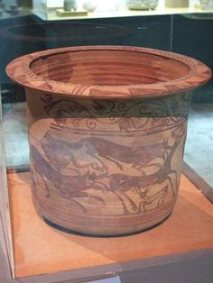Zaragoza - Museo - Kalathos ibérico 01 - Iberos - Wikipedia, la enciclopedia libre