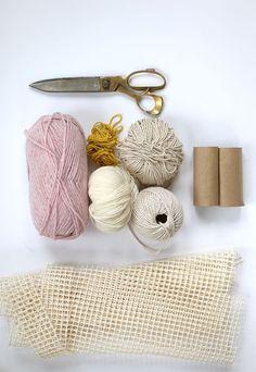 Faça um tapete com pompons de lã