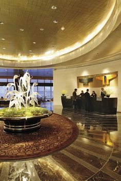 Mandarin Oriental New York's Elliptical Lobby