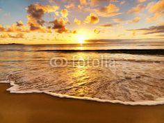 Beautiful sunset on the beach. Beautiful sunset on the Australian beach , Beach Sunset Wallpaper, Sunset Beach, Beach Fun, Beach Shower Curtains, Sunday Photos, Australian Beach, Station Balnéaire, Languedoc Roussillon, Sea Level Rise
