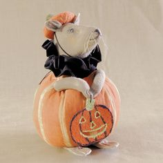A cute Halloween decoration for small kids, these Halloween Mice make a great addition to any décor.