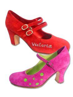 Zapatos de las marcas PLT, Osuna, Victoria Mena Spain Fashion, Victoria, Mary Janes, Flats, Shoes, Modern Fashion, Branding, Flamingo, Trends