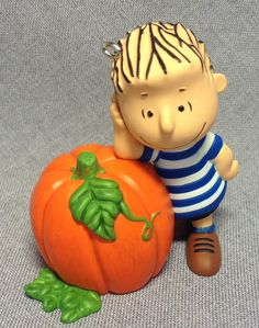 Happiness is Peanuts - Waiting For The Great Pumpkin - 3rd in the Series - Hallmark - 2013
