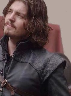 Tom Burke as Athos in current S3 filming, image courtesy of the BBC
