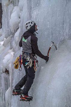 Invierno del 2017. un año más esclando con el magnifico material cortesia de E-climb.com. Iceclimbingclinic.com