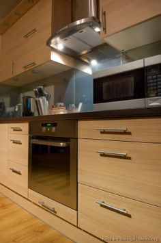 #Kitchen of the Day: Modern Light Wood Kitchens.
