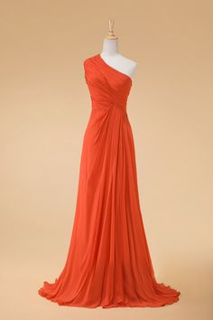 The beautiful orange and one shoulder is so cute together!!