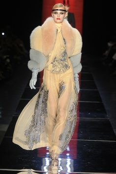 10 Stunning Dresses From The Fall 2012 Couture Shows That'll Make You Fall Off Your Chair: Dressed