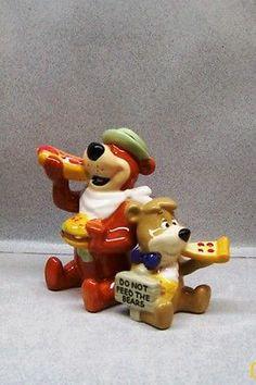 YOGI BEAR & BOO BOO EATING PIZZA HOT DOG FROM PICNIC BASKET SALT & PEPPER WG