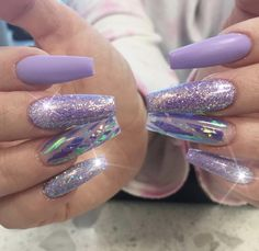 """If you're unfamiliar with nail trends and you hear the words """"coffin nails,"""" what comes to mind? It's not nails with coffins drawn on them. Although, that would be a cute look for Halloween. It's long nails with a square tip, and the look has. Cute Acrylic Nails, Acrylic Nail Designs, Nail Art Designs, Design Art, Chrome Nails Designs, Salon Design, Design Ideas, Fancy Nails, Trendy Nails"""