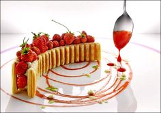 Strawberry  millefeuille  #gastronomie #gastronomy http://cascadeavenue.com/pinterest-bootcamp