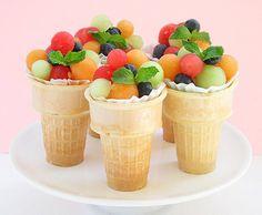 casquinha de sorvete c/salada de frutas
