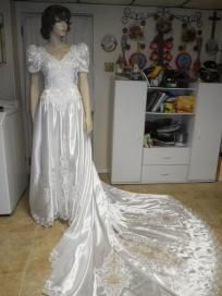 ALFRED ANGELO WEDDING GOWN. FREE SHIPPING FREE PHOTONS
