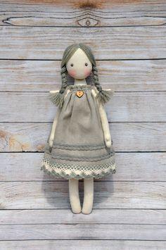 Textil la muñeca, muñeca Tilda, Tilda angel, Ángel lindo, hecho de materiales naturales, algodón. El vestido está decorado con el cordón de algodón natural. Altura de 12,5 pulgadas (31cm).