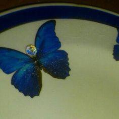 Close up off plate art