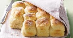 Sunday is the perfect day for scones, and this recipe provides you with some great sweet and savoury variations. The best scones I have ever baked ! Buttermilk Scone Recipe, Buttermilk Biscuits, Avocado Recipes, Bread Rolls, Seafood Recipes, Food Network Recipes, Macarons, Baking Recipes, Scone Recipes