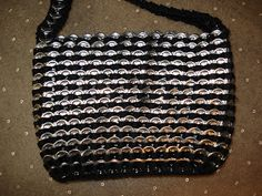 Instructions to make a purse out of pop tabs: This is how I finished the bottom of my purse.