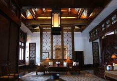 Noble antique decor