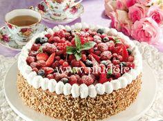 Beautiful Italian Torte with fresh berries Dessert Recipes, Desserts, Yummy Recipes, Food Art, Buffet, Raspberry, Cake Decorating, Berries, Cooking Recipes