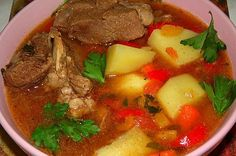 Soup and stews recipes beef new Ideas Chicken Soup Recipes, Healthy Soup Recipes, Clean Eating Recipes, Beef Recipes, Cooking Recipes, Vegetarian Cooking, Easy Cooking, Crockpot Meat, Slow Cooker Soup