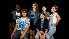"Millie Bobby Brown, Gaten Matarazzo, Noah Schnapp, Natalia Dyer, Finn Wolfhard & Caleb McLaughlin on ""Stranger Things"""